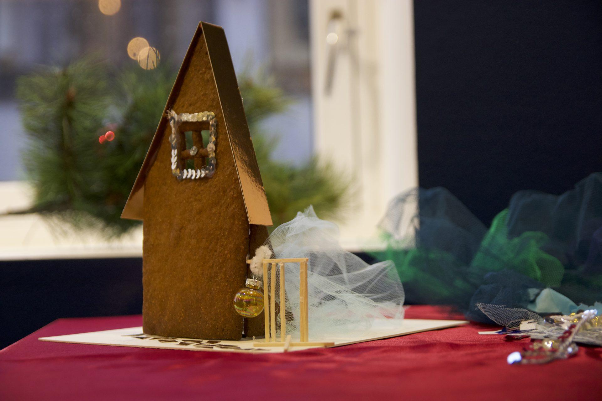 Juleverksted på Sørlandets Kunstmuseum. Lag et hjem av pepperkaker. Aktiviteter for barn og familier i Kristiansand.