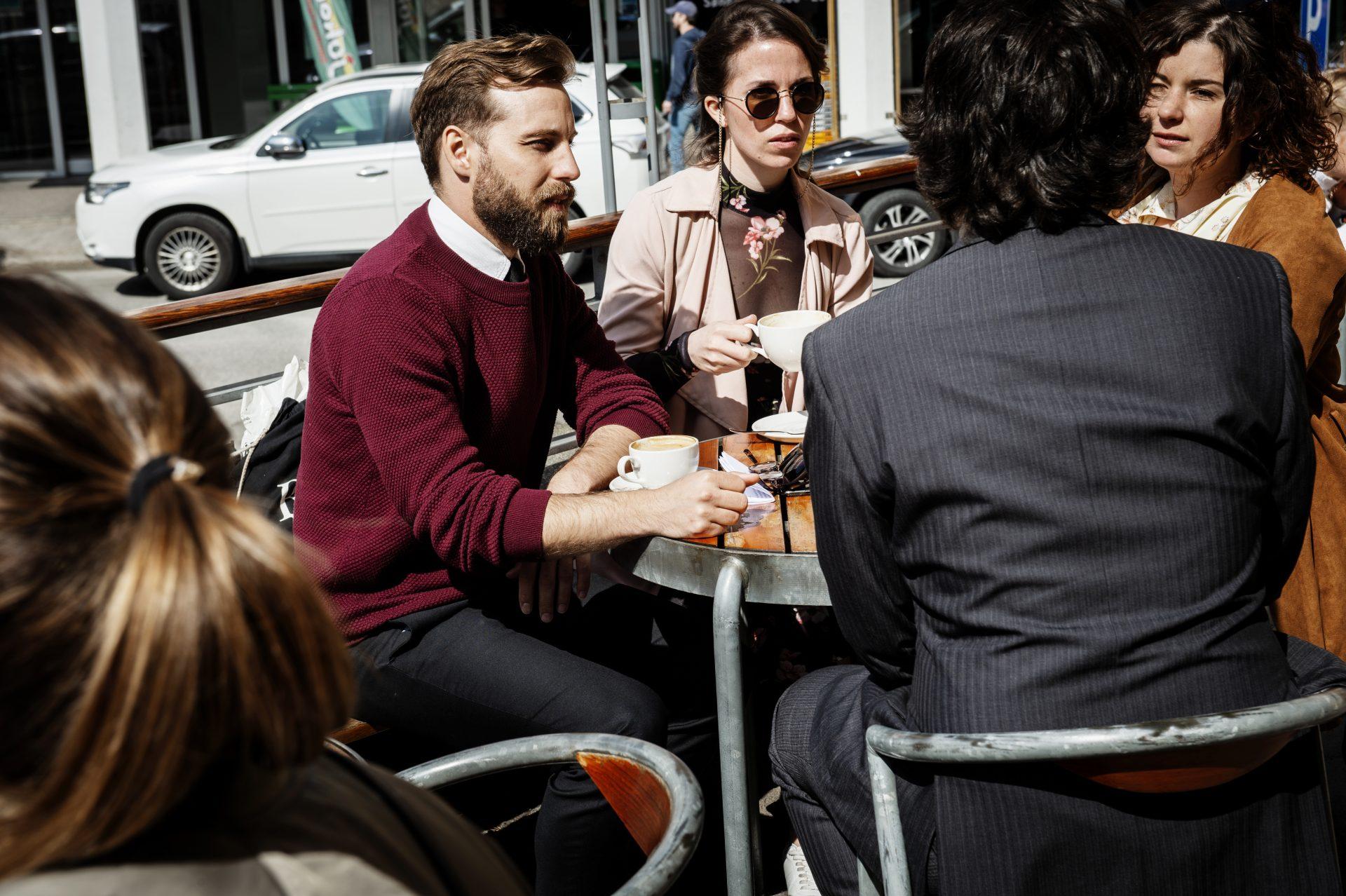 KunsCaféen er kafeen til Sørlandets Kunstmuseum. Deilig kaffe, te, iskrem, varme og kalde retter. Onsdager har både museet og kafeen åpent til klokken 22.